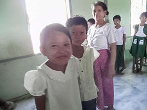 ミャンマーの子供達